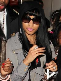 "Perruques Nicki Minaj 22"" Soyeuse Noir"